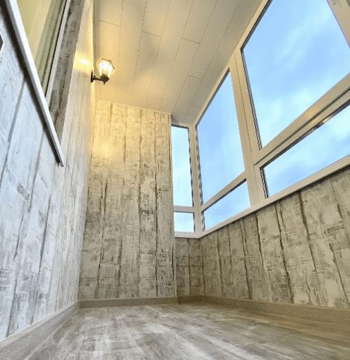 Ламинат на балконе. Выбираем ламинат. Отделка, обшивка ламинатом пол, стены, процесс укладки своими руками
