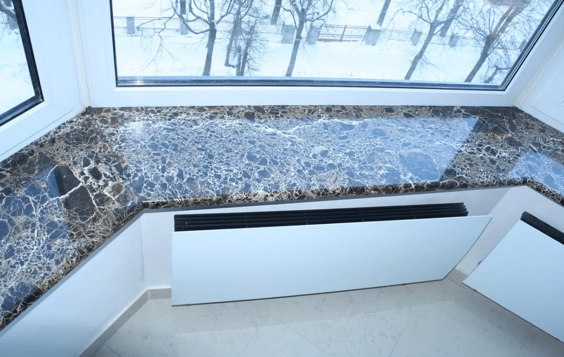 Подоконник на балконе из пластика, дерева, мдф, дсп, из мрамора и гранита, установка