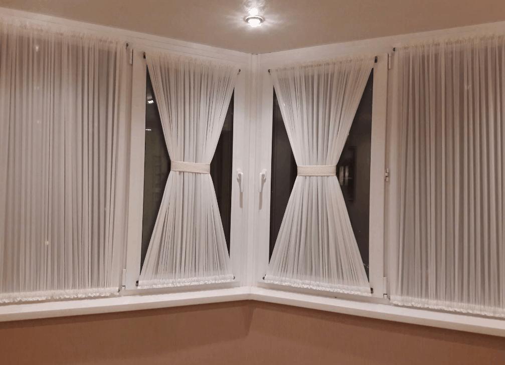 Шторы на балкон. Как выбрать дизайн. Римские, бамбуковые, австрийские и французкие современные шторы